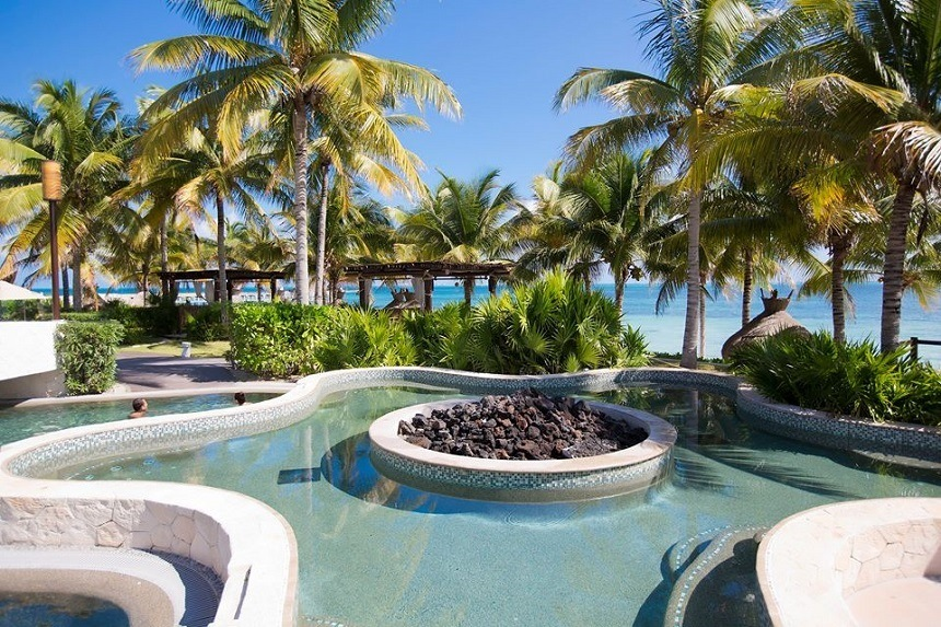 Villa del Palmar Cancun timeshare resort